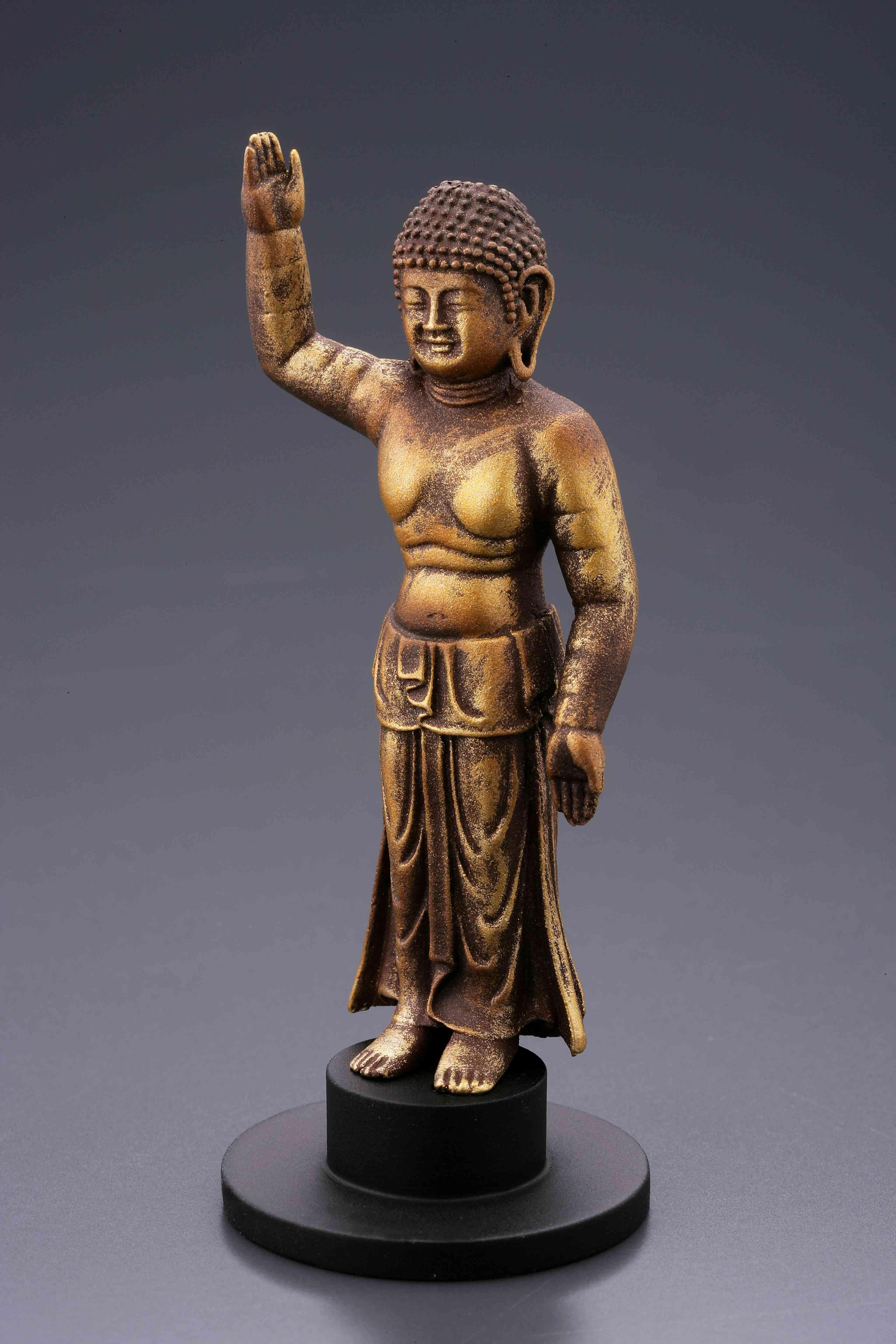 誕生釈迦仏(経年劣化金)